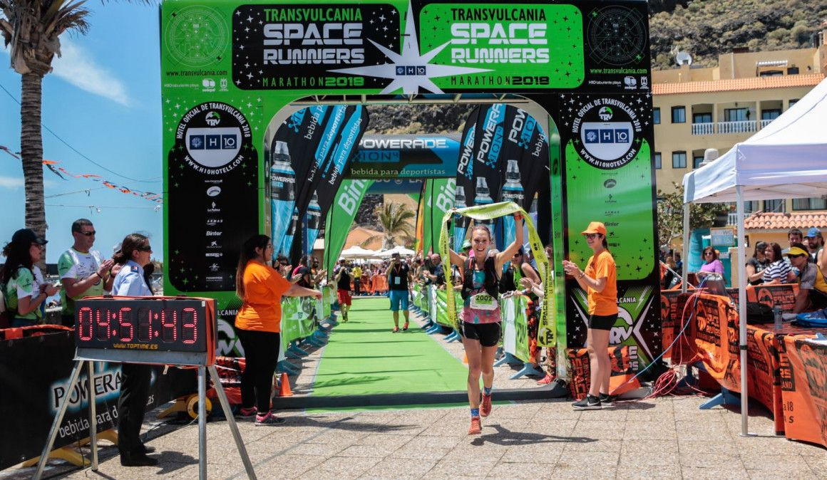 Danilson Pereira y María Zorroza ganan el Maratón de Transvulcania