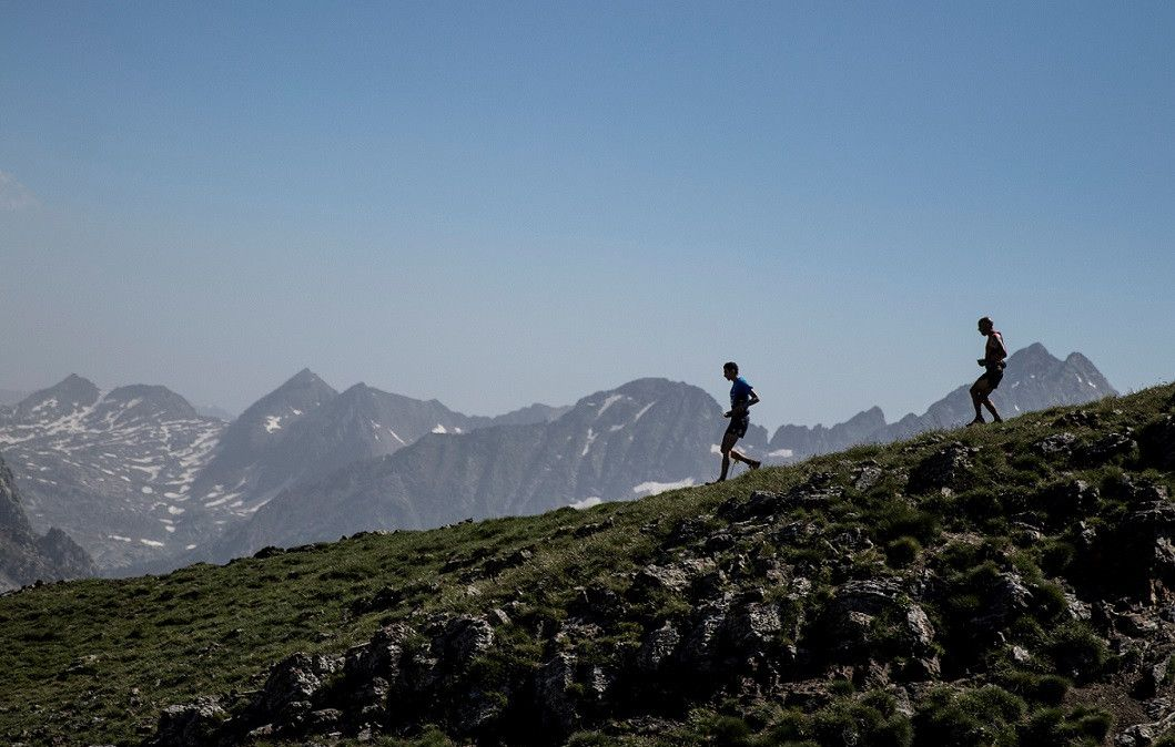 Marc Pinsach y Holly Page se imponen en la Buff Epic Trail 42K
