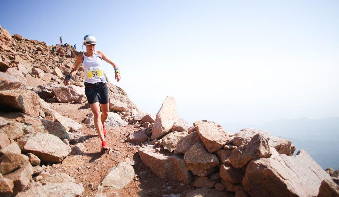 Dakota Jones y Megan Kimmel vencen en un histórico Pikes Peak Marathon