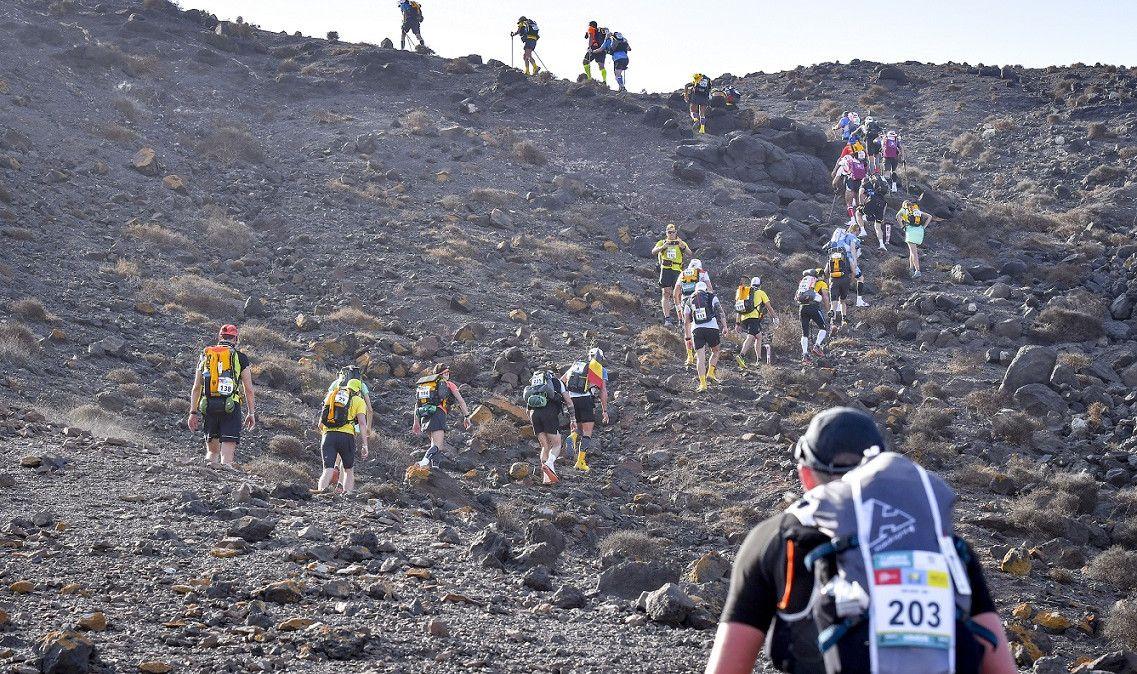 Remigio Huamán toma la delantera en Sables Fuerteventura