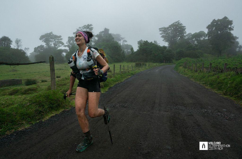Eugenia Gil gana la Volcano Ultramarathon de Costa Rica