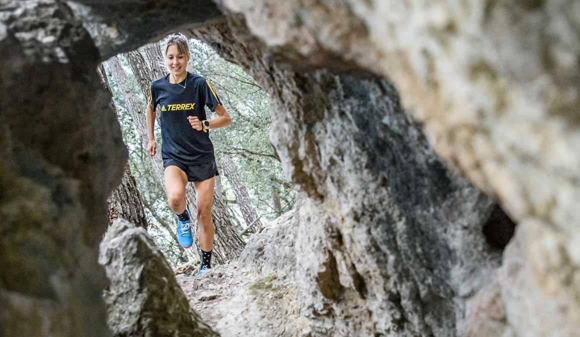 Conquista la montaña con la nueva línea adidas Agravic