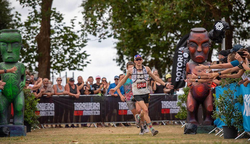 Tom Evans y Manuela Soccol ganadores de la Tarawera Ultramarathon