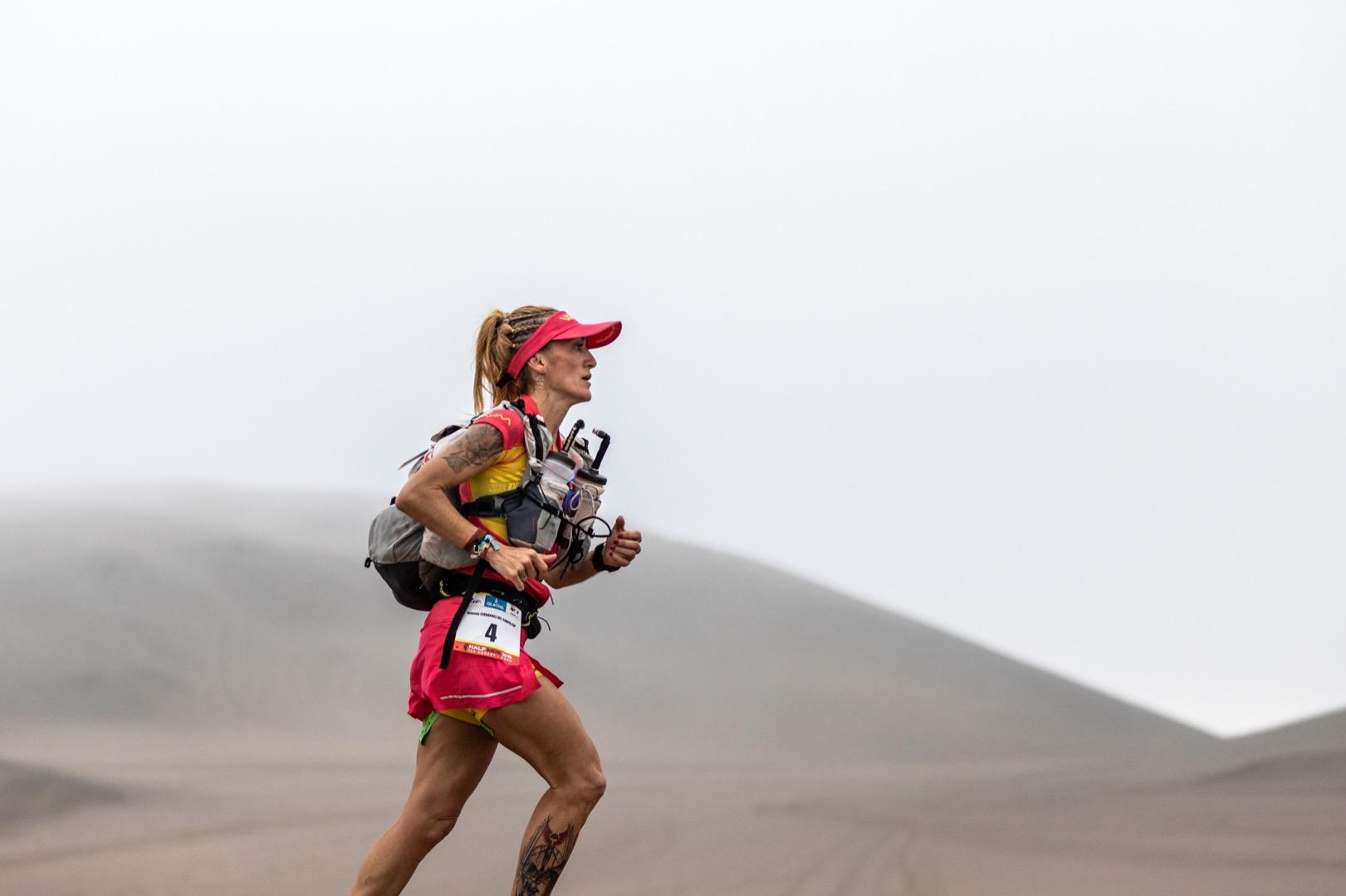 Chencho Yánez y Emily Sabo ganadores de la II Half Marathon des Sables Perú